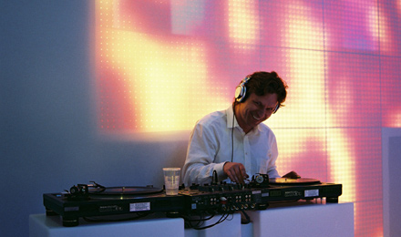 Light + Building 2006 DJ Leon Ardo