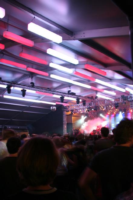 Room Division zum MELT! Festival 2007 Gemini Stage Lichtsäulen Himmel