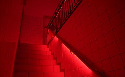 INTERWALL Berlin von Room Division illuminiert