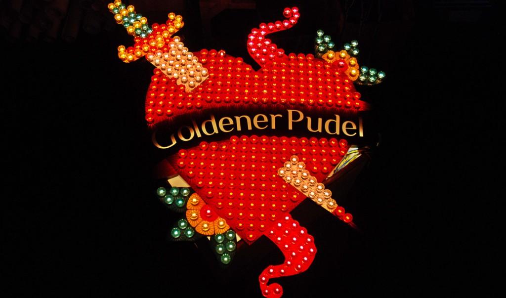 Goldener Pudel Art Signage