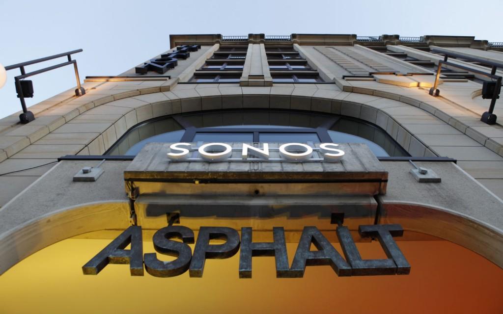 SONOS ASPHALT AFTER SHOW SIGNAGE 02